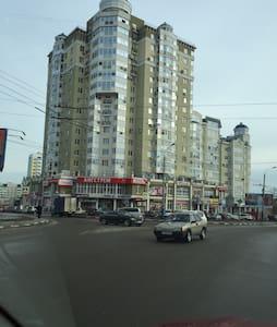 Большая 2-х к квартира в центре