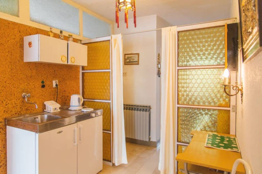 Kitchen in entrance