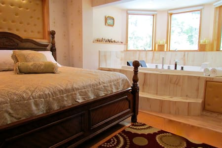 Cherry Valley Manor B&B in Poconos - Stroudsburg - Bed & Breakfast