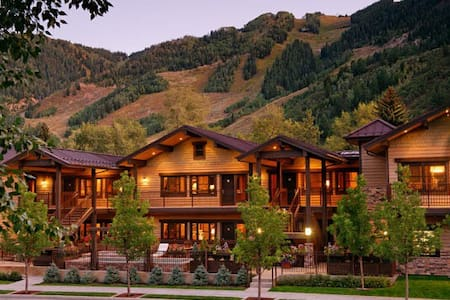 Luxury Aspen Condo - New Years Week