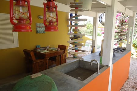 Barefoot Apartments Kas Oraño