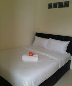 In the heart of lively Khao San Road is 100 metres from Yellowhouse Bangkok, while Bangkok City Pillar is 900 metres from the property.  Half a kilometer from the Grand Palace and 4 km from the MBK Shopping Mall Free Wi-Fi is available throughout the property.  Each room comes with a private bathroom and Air conditioning .