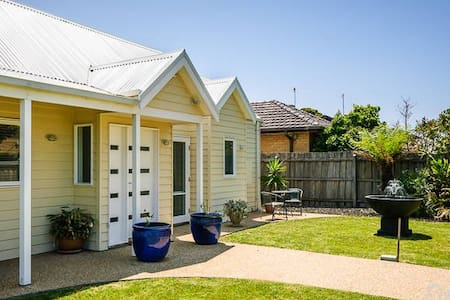 Courtyard Spa Suite - Aspendale