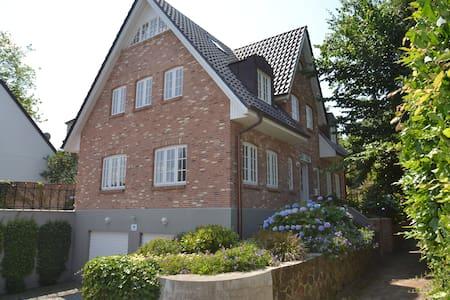 Kapitänsvilla auf dem Museumsberg - Flensburg