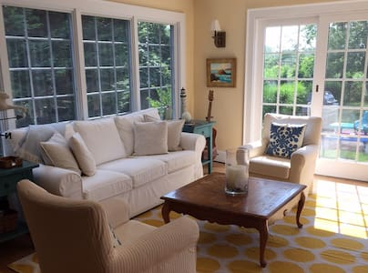 Hamptons: Gorgeous home by the Bay! - Remsenburg-Speonk