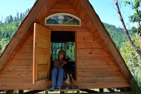 """A-Frame"" Rustic Off-Grid Cabin - Cabin"