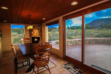 Prescott Retreat- Beautiful Scenery - Talo