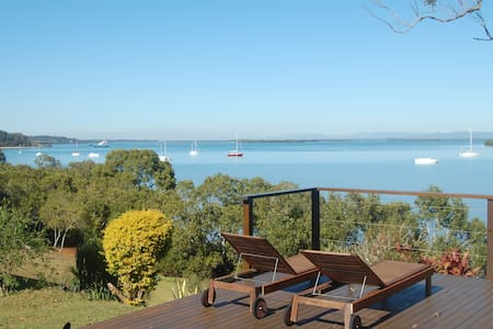 Windsong, a lovely waterfront home - Macleay Island - House