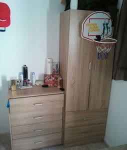 A simple room close to everywhere - Faliraki - House