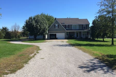 Antioch Inn at Hillsdale Lake #2 - Bed & Breakfast