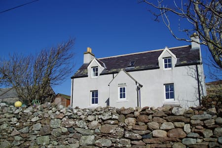 Remote croft house  with sea view - Hus