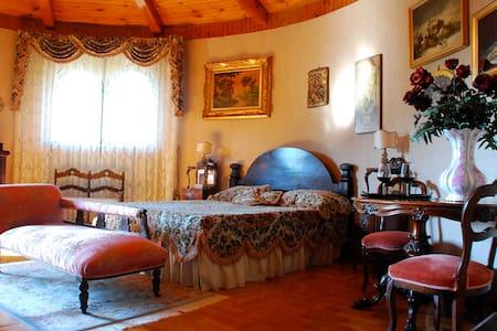 Villa La Castagnola - La Suite