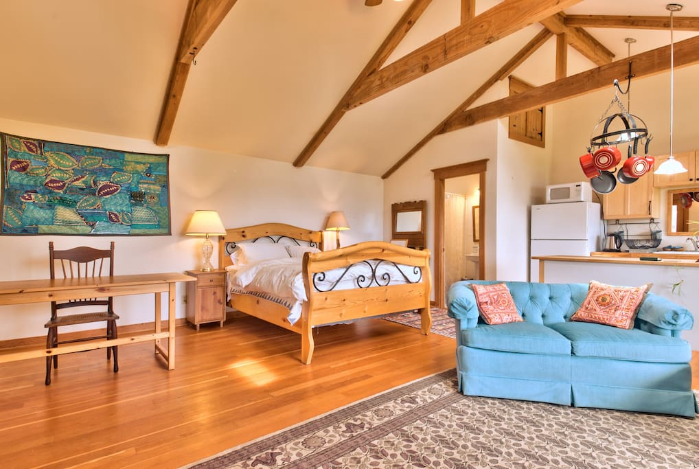 Charming Seabluff Cottage with View