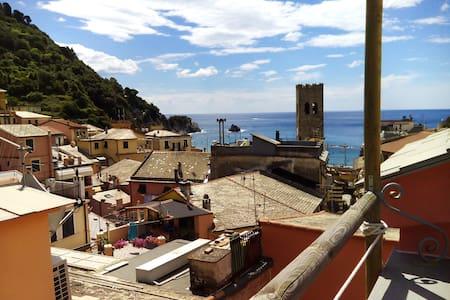 Amazing terrace overlooking the sea - Apartmen