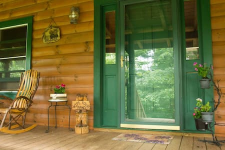 Private Log Home Hideaway - House