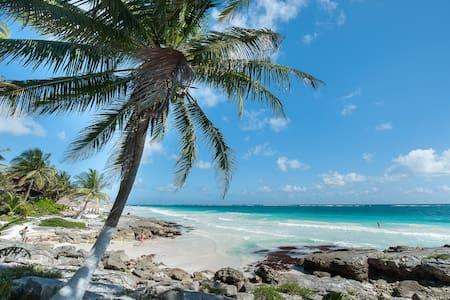 Privacy-luxury-style near beach!