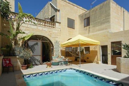 Welcome to Calido Hogar - Ix-Xagħra