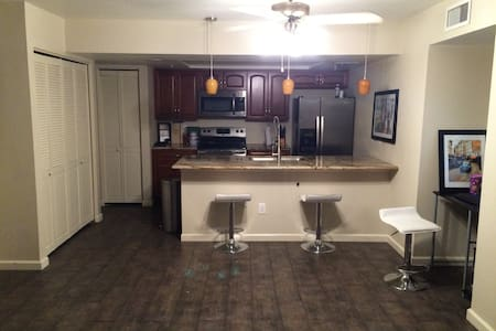 Old Town Scottsdale Apartment
