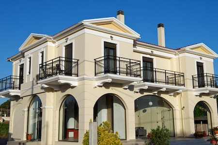 ILIDA KOUROUTA STUDIOS - Wohnung