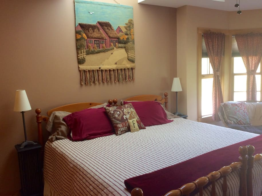 Maple Room with King sized bed