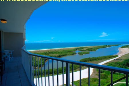 Oceanfront with amazing views,WIFI! - Marco Island - Lejlighedskompleks
