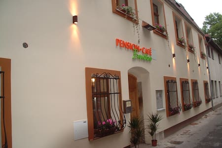 Aprtmán pro 5 osob ve středu města - Liberec - Bed & Breakfast
