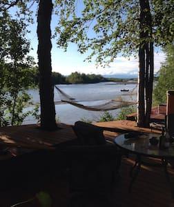 Doug Geeting's River Chalet - Faház