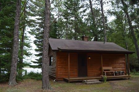 Perfect Fall Ride Lakefront Cabin - Ház