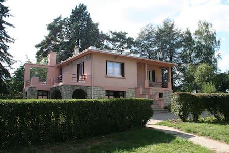 Near Paris in the Vexin - Seraincourt - Huis