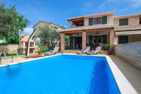 Villa Mare-Vabriga - Vabriga