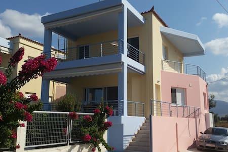 ΜΕΖΟΝΈΤΑ 115 Μ2 ΙΡΙΑ ΑΡΓΟΛΙΔΑΣ  - Rumah