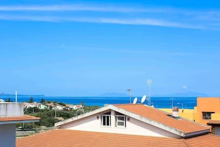 Sunny flat 2 mins from beach Sicily - Huoneisto