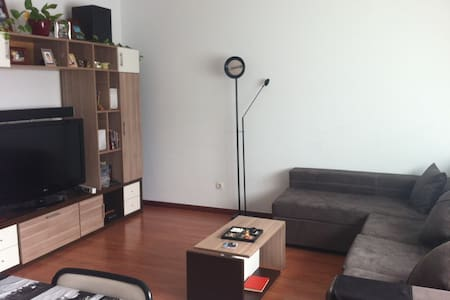 Habitación doble luminosa + WIFI - Apartmen
