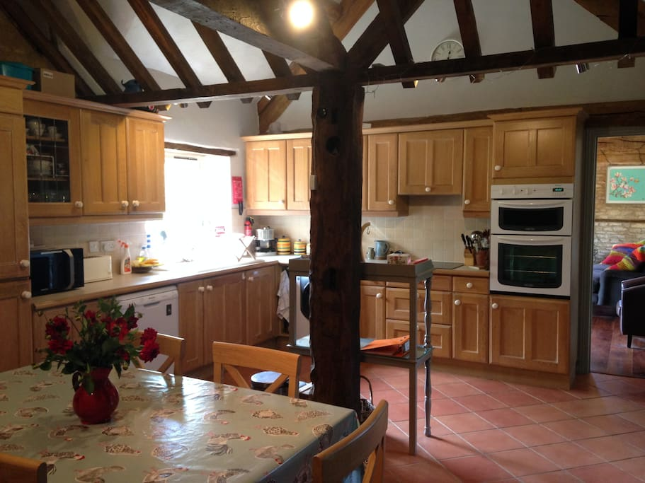 Cotswold cottage nr chipping norton houses for rent in for Perfect kitchens chipping norton