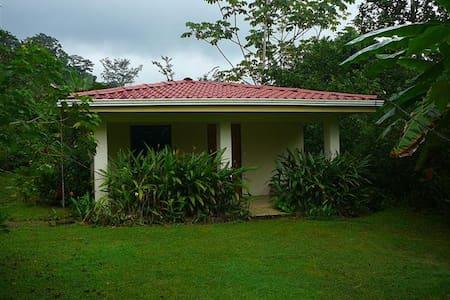 Ojochal Arriba guest house