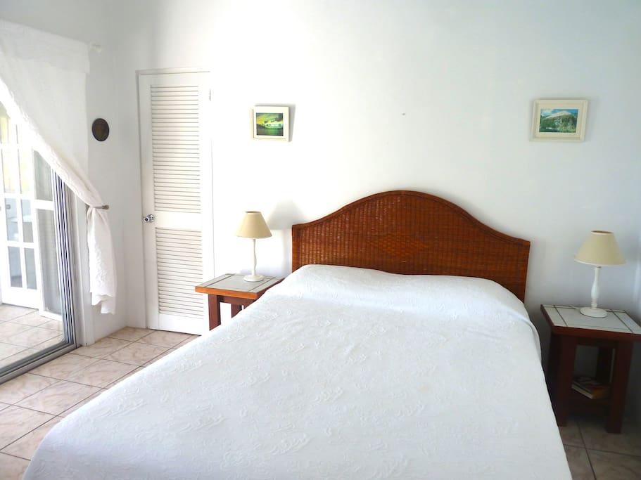 Upper Villa - Bedroom2