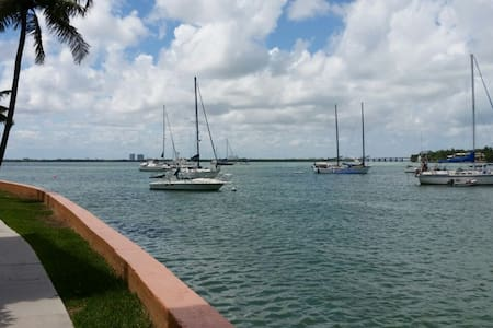 Paradise on the Bay- 1BR wt Parking