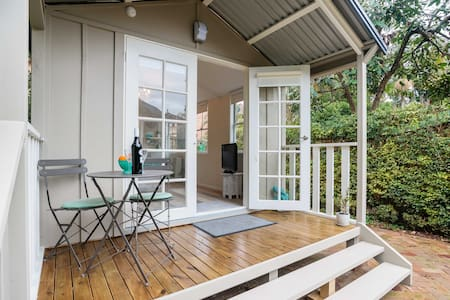 Pretty cottage near Harbour Bridge - Neutral Bay - Blockhütte