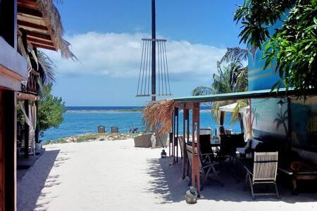 Cozy Ocean View Beach Cabin-7 - Savaneta