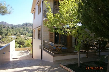 Lovely country house in Trimiklini  *Free WIFI - Trimiklini - Casa
