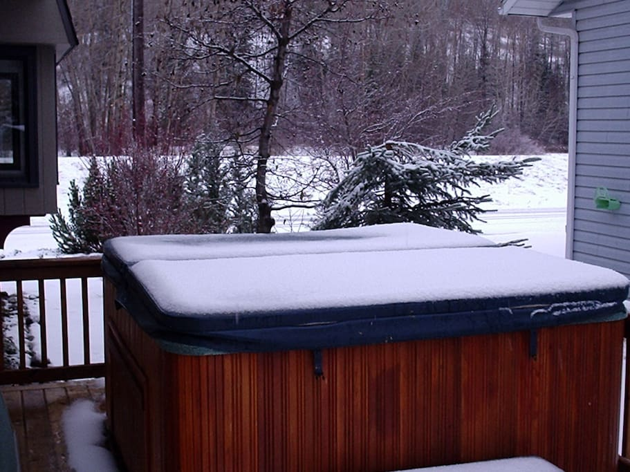 Private hot tub on deck