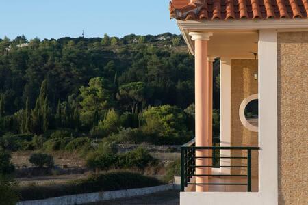 2 lux -village VILLAS in ZAKYNTHOS - Γύρι