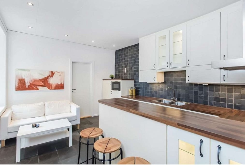 Newly renovated, fully equipped kitchen with heated floor.