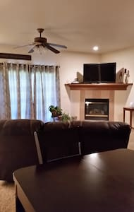 Comfy 1 BDRM Females Only - Ankeny