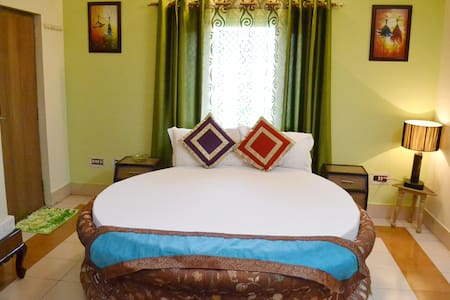 Room type: Private room Bed type: Real Bed Property type: Villa Accommodates: 3 Bedrooms: 1 Bathrooms: 1
