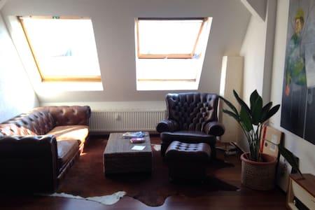 gemütliches Dachgeschoss - Pis