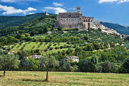 NICE APARTMENT CLOSE TO ASSISI - Wohnung