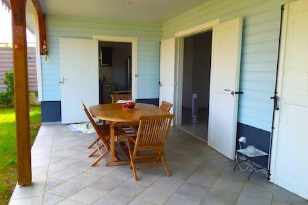 Jolie maison individuelle typique - Hus
