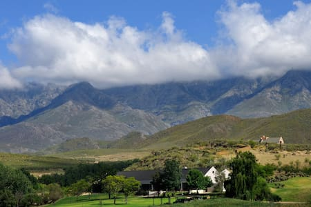 Swartberg Private Game Lodge - Oudtshoorn - Villa