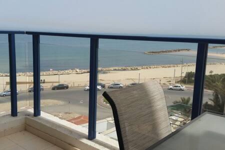 Apartment on the Beach - Lakás